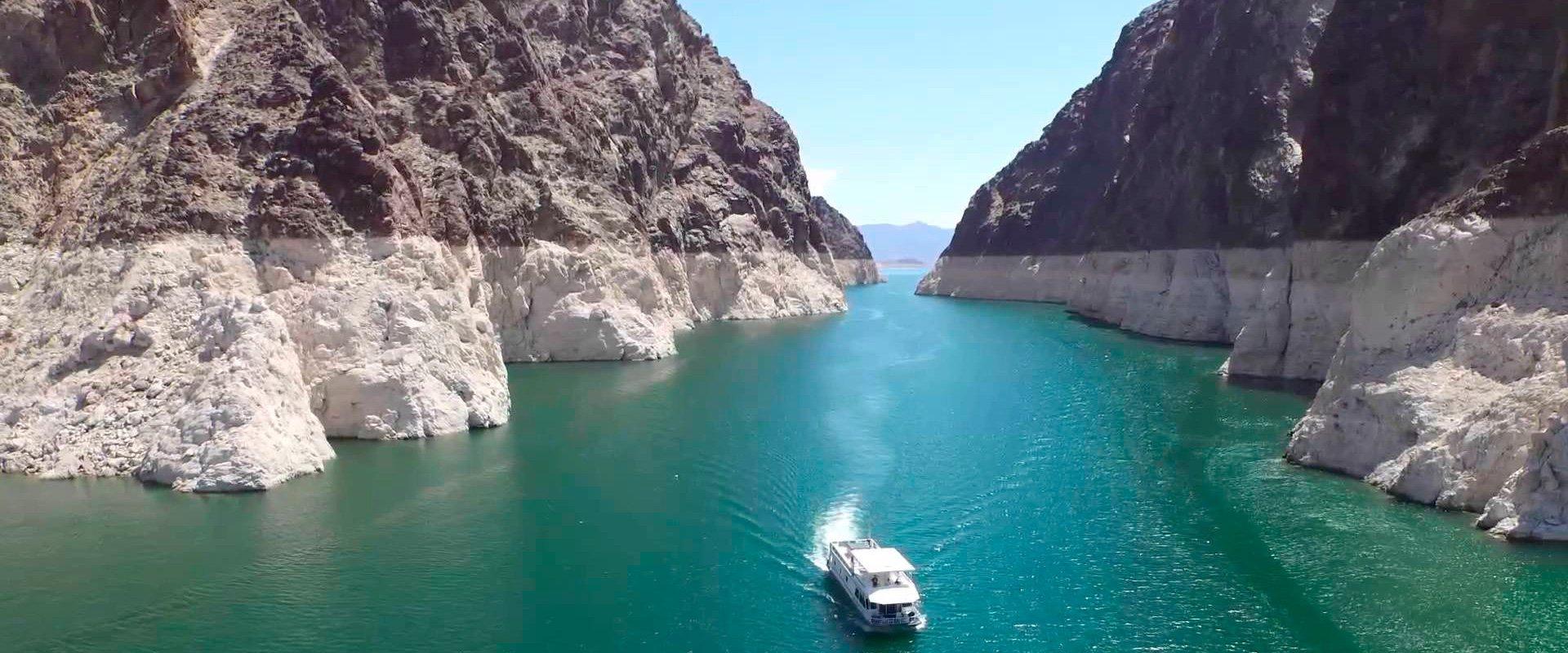 Экскурсия по озеру МИД с купанием